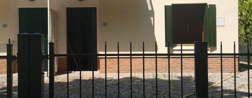esterno villa abbinata
